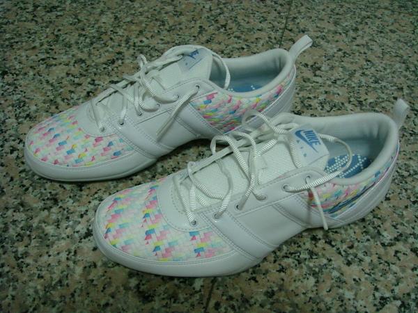 NIKE的布鞋
