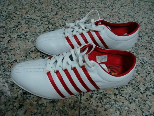 k-SWISS的布鞋