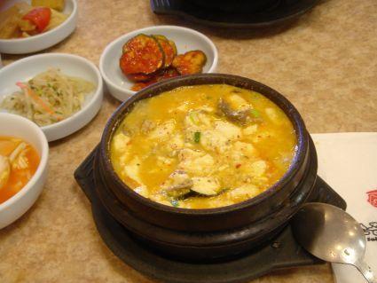 LA豆腐鍋內的豆腐