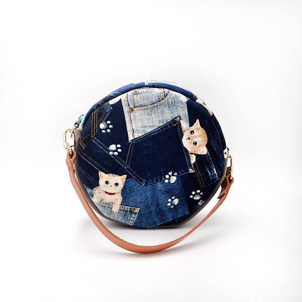 小圓包04-背面+手提帶