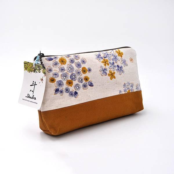 收納包/化妝包-01-背面+側面