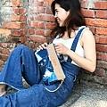 橫式輕巧隨身包穿搭示範(1)