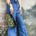 橫式輕巧隨身包穿搭示範(2)