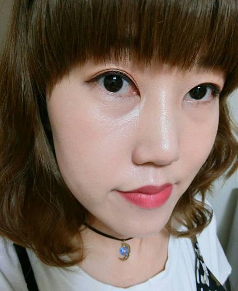  蜜拉專欄  YSL聖羅蘭超模光氣墊粉餅&時尚印記絲絨唇露,讓你美到沒朋友~