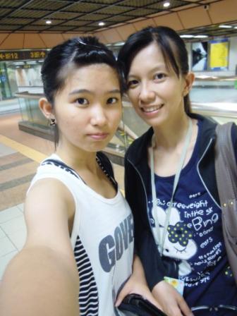 102-6-13-母女於萬華捷運站