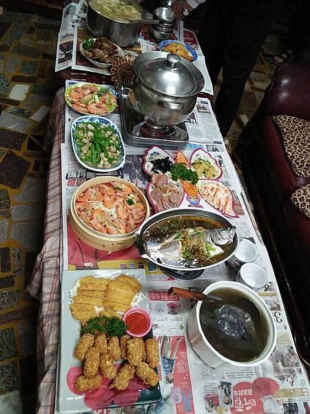 105-2-11初四娘家團圓飯