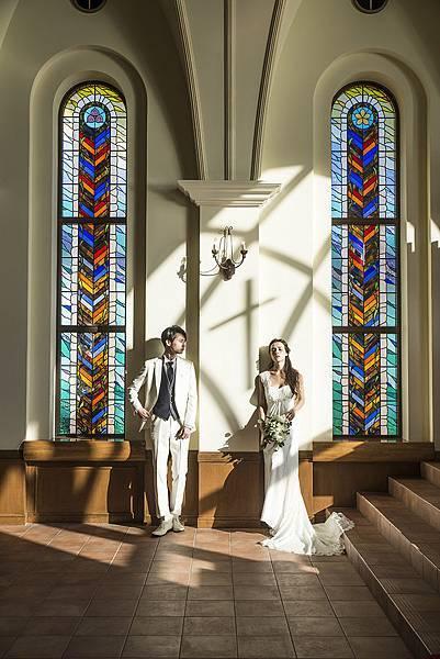 教堂內彩繪玻璃1.jpg