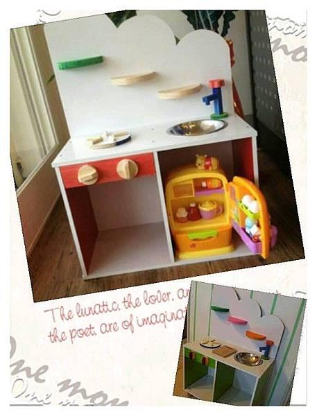 雙層櫃造的玩具廚房-Nana