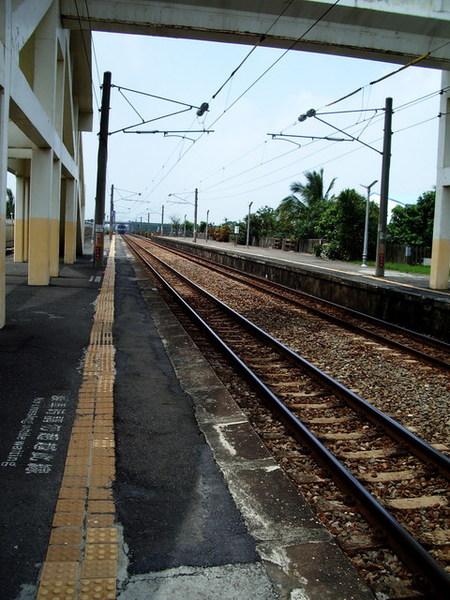 空無一人的車站