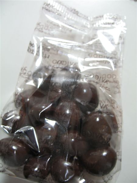 GODIVA 新出的紅莓巧克力