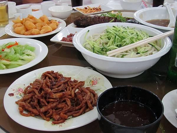 中午老北京餐點.JPG