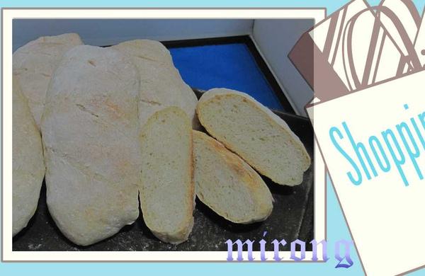 法國麵包一堆.jpg