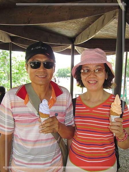 吃冰淇淋囉.jpg