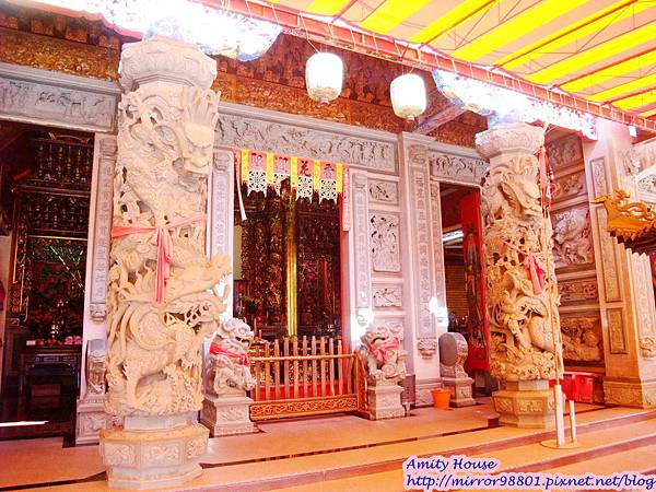 1010917泰雅in烏來 享吃又享玩 2012悠遊部落14烏來最大間的廟宇
