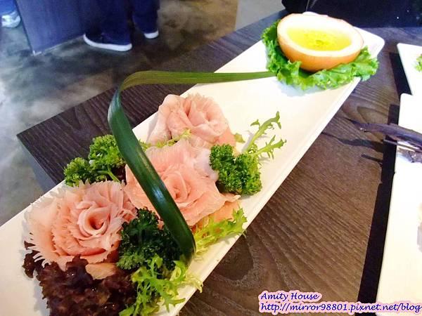 101 Nov 寬巷子鍋品美食 麻辣鴛鴦鍋25頂級松板豬肉又稱黃金六兩