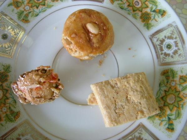 聖祖食品 原味貢糖 扁蟹酥 芋頭一口酥2.JPG