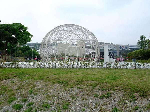 blog 花博 美術 寰宇庭園 西班牙 紀錄的蛹2.JPG