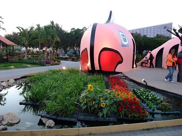 blog 99 Dec 花博 美術 寰宇庭園-加拿大10.JPG