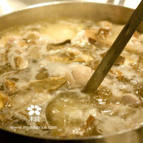 20111220 暖胃補冬(二)-酒香牛肝菌糙米雞湯 (6).jpg