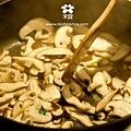 20120405 香菇炒青菜 (4)