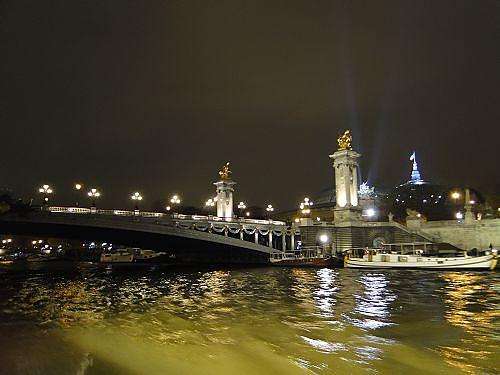 夜遊塞納河.jpg