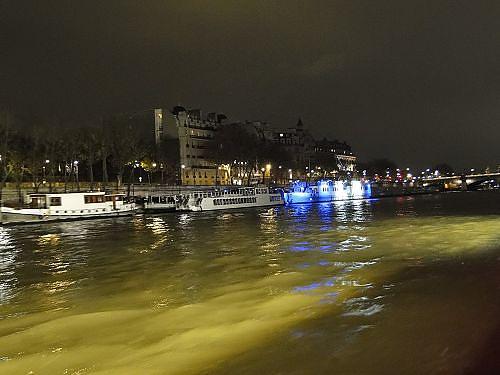 夜遊塞納河-2.jpg