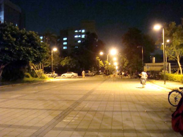 圖書館前廣場
