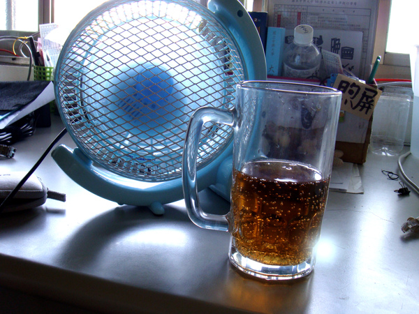 那是啤酒杯噢!!!!