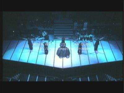 tour01_stage.jpg