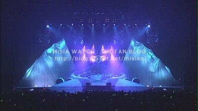 tour03_stage.jpg