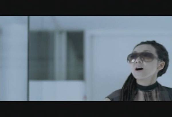 FELC-Kubota Toshinobu feat. MISIA - FLYING EASY LOVING CRAZY[(001130)18-49-49].JPG