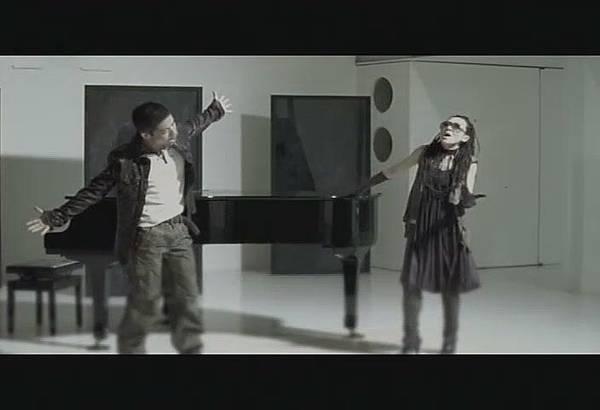 FELC-Kubota Toshinobu feat. MISIA - FLYING EASY LOVING CRAZY[(006762)18-54-24].JPG