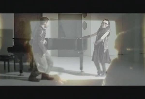 FELC-Kubota Toshinobu feat. MISIA - FLYING EASY LOVING CRAZY[(006896)18-54-30].JPG