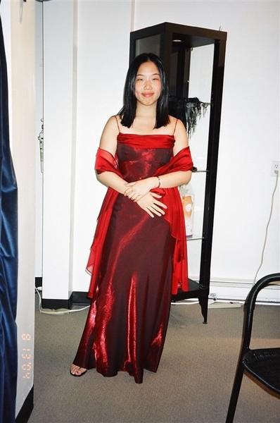 Victoria: 禮服照
