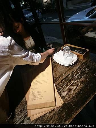台北市東區○鬍子餐酒Baffi Italian Trattoria超人氣餐酒館燉飯頂級牛排通通來 有味道的義式餐廳