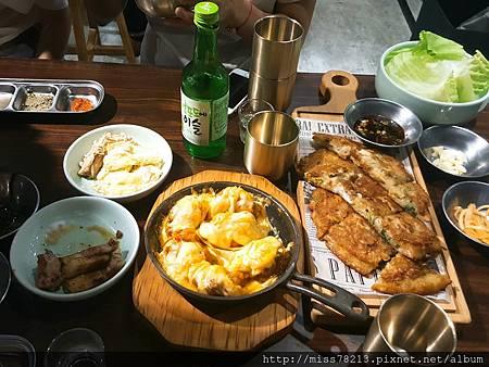 台北東區韓國烤肉推薦韓老二 台北忠孝復興站韓式料理推薦 韓式煎餅起士雞真露酒