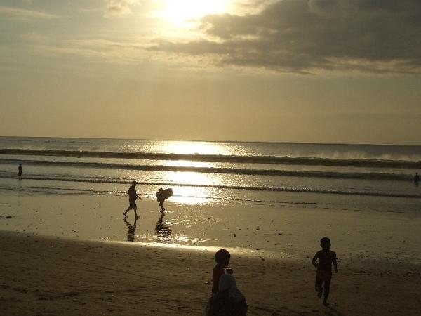 落日前的海邊真的超美