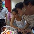 10月壽星吹蠟燭
