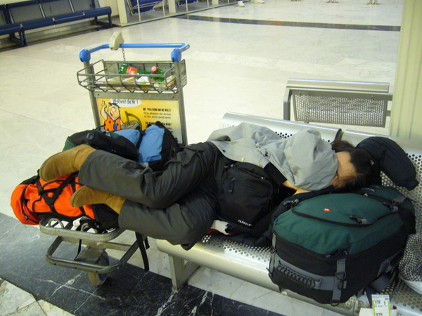 夜宿維也納機場.JPG