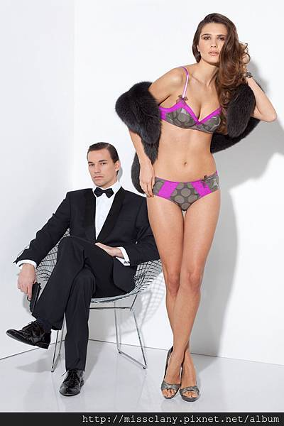 Bien Fée Pour Toi James Bond 1-3