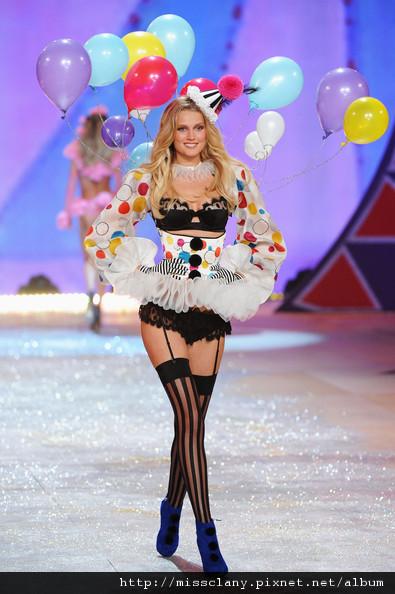 2012-2013 維多利亞的秘密時尚內衣秀 照片集 8