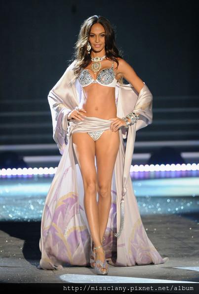 2012-2013 維多利亞的秘密時尚內衣秀 照片集 61