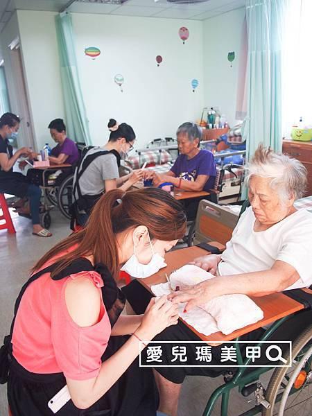 2016年5月1日老人養護中心-義務服務(20).jpg