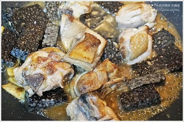 三杯雞&豬血糕-加鹽巴.jpg