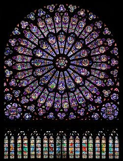 North_rose_window_of_Notre-Dame_de_Paris,_Aug_2010