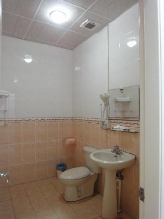 轉角峇里-廁所.JPG