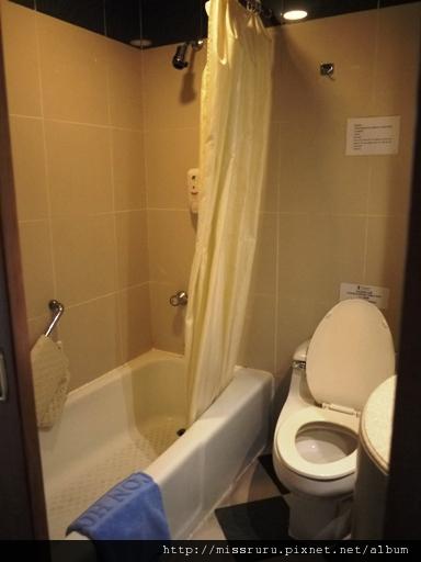 0413 砲台山麗東酒店廁所