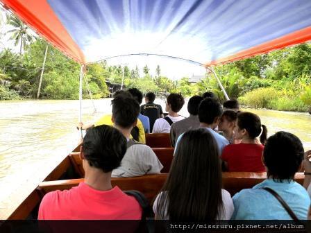 安帕瓦水上市場-5+1廟遊船-前往廟3-有海盜船的FU
