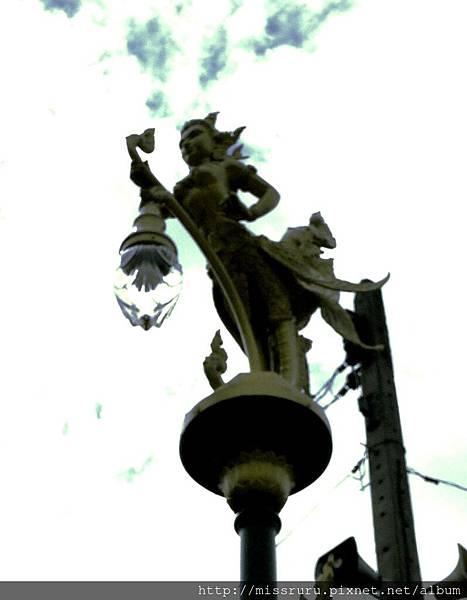 安帕瓦水上市場-5+1廟遊船-廟4-路燈