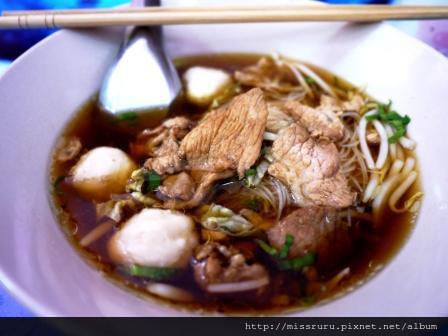 安帕瓦水上市場-恐怖重複洗免洗筷米粉湯30B
